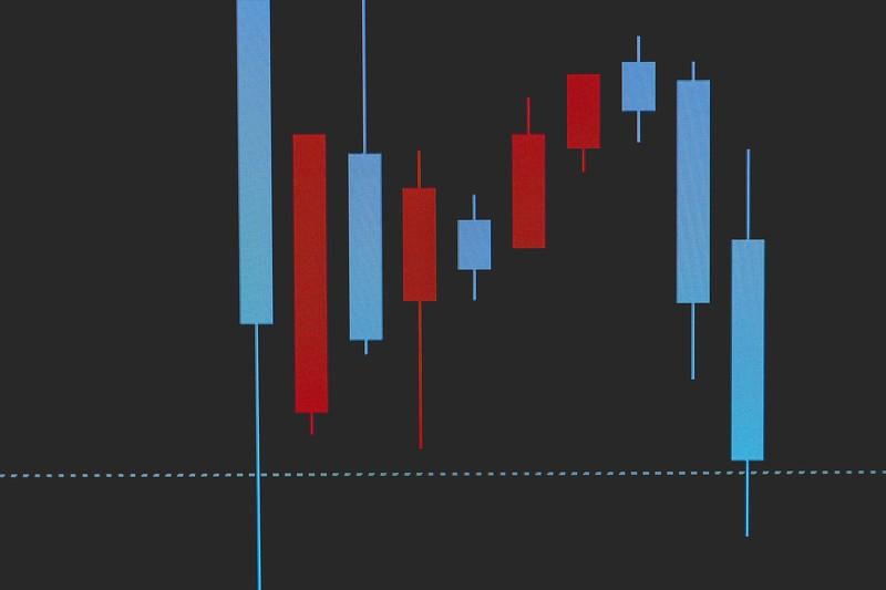 逆イールドとは?金利と株価の関係からわかりやすく説明!【今後の株価】