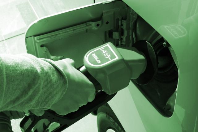 原油(オイル)が18年ぶりの最安値に!?今度の見通しについて【商品先物】