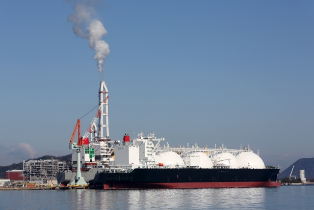 【商品先物】原油(オイル)が供給過多に!?3分でわかる今後の原油の動向とは?