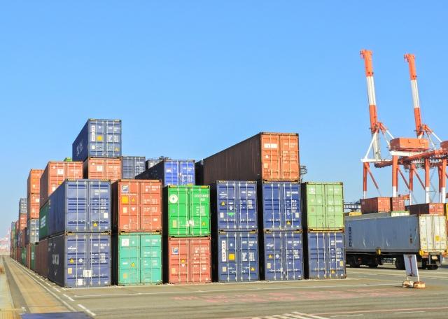 日本は3ヶ月連続で貿易赤字に!?アメリカの貿易赤字の方がずっとヤバい!?