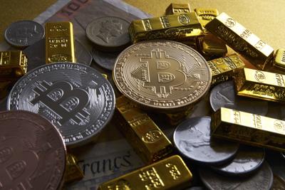 【仮想通貨】ビットコインもついに暴落か!?中国が金(ゴールド)大量輸入で貴金属暴騰へ!