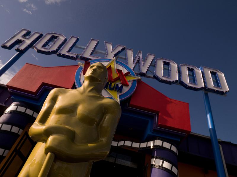 ハリウッドの収入源9割が人身売買で金欠に!東京・大阪で再び緊急事態宣言か!?